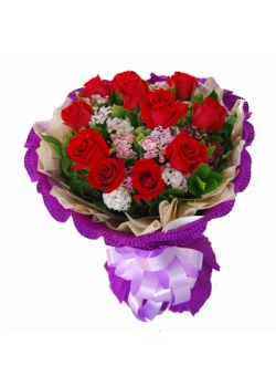 L04 Rose Hand Bouquet